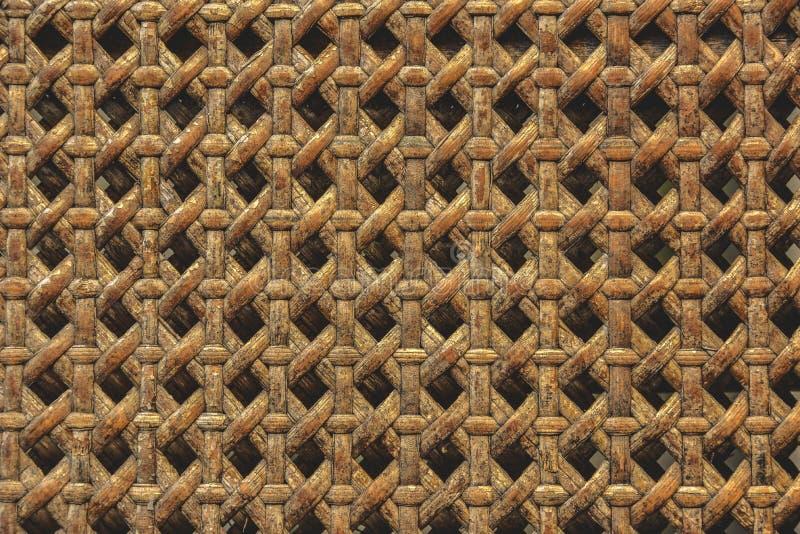 Sluit van houten die mand wordt gemaakt van ratten omhoog textuurachtergrond M stock foto