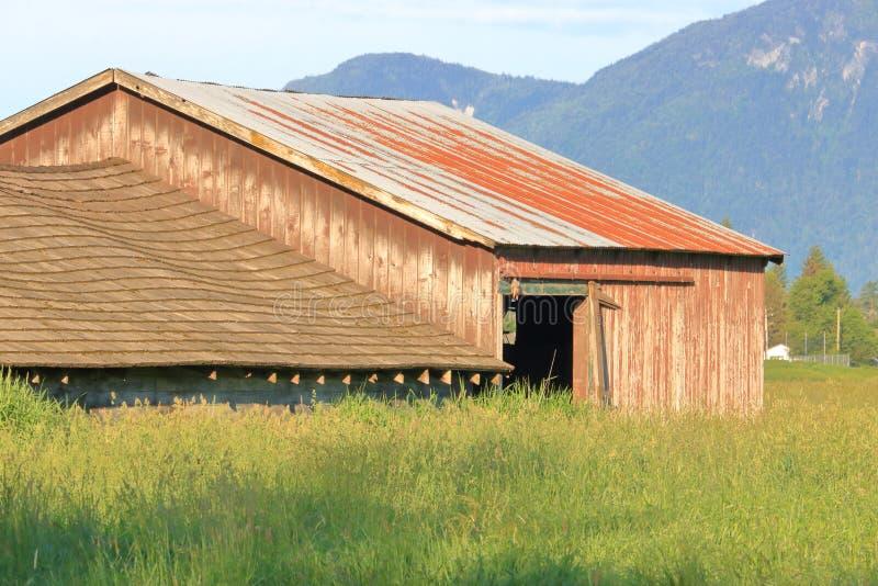 Sluit Weergeven van de Oude Gevestigde Landbouwbedrijfbouw stock foto