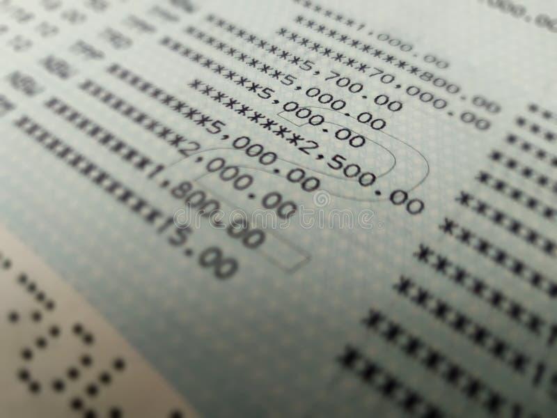 Slut för bankkontobok upp selektiv fokus arkivbilder