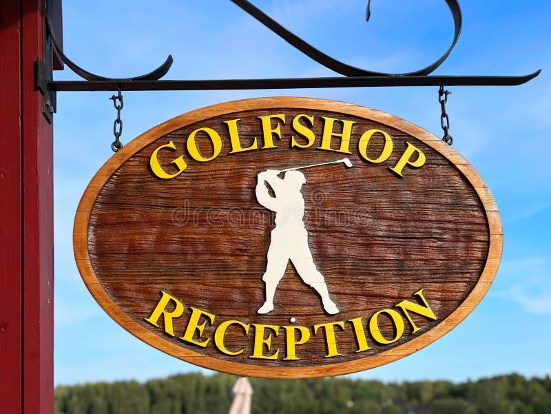 Slut för Golfshop mottagandetecken upp arkivbild