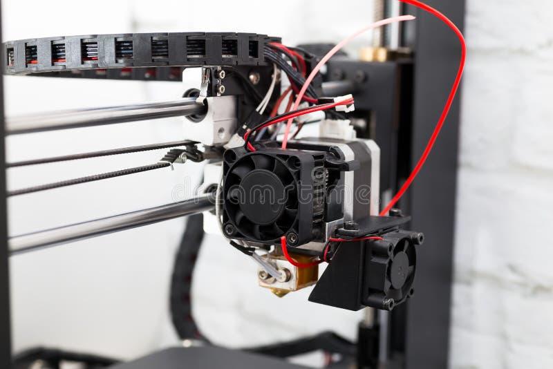 slut för skrivare 3d upp, begrepp för tryck 3D fotografering för bildbyråer