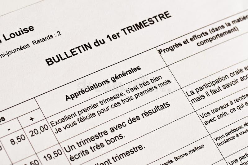 Slut upp av en anonym franskaskolarapport arkivfoton