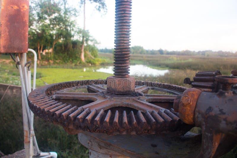 Slut upp av kugghjulet för vattenport fotografering för bildbyråer