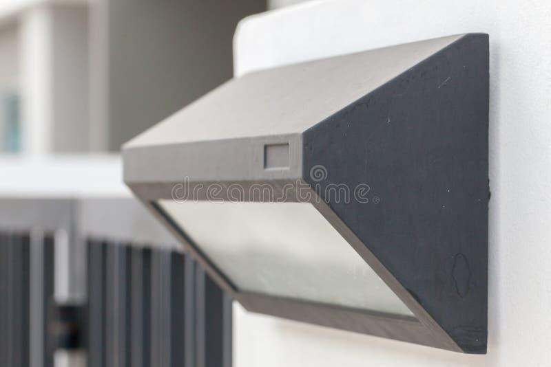 slut upp av lampan på porten fotografering för bildbyråer