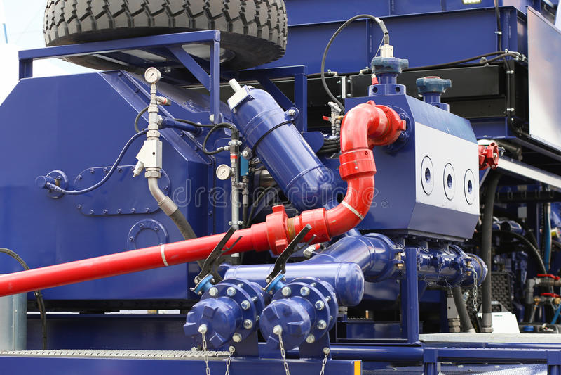 Slut upp av oljeproduktionutrustning royaltyfria foton
