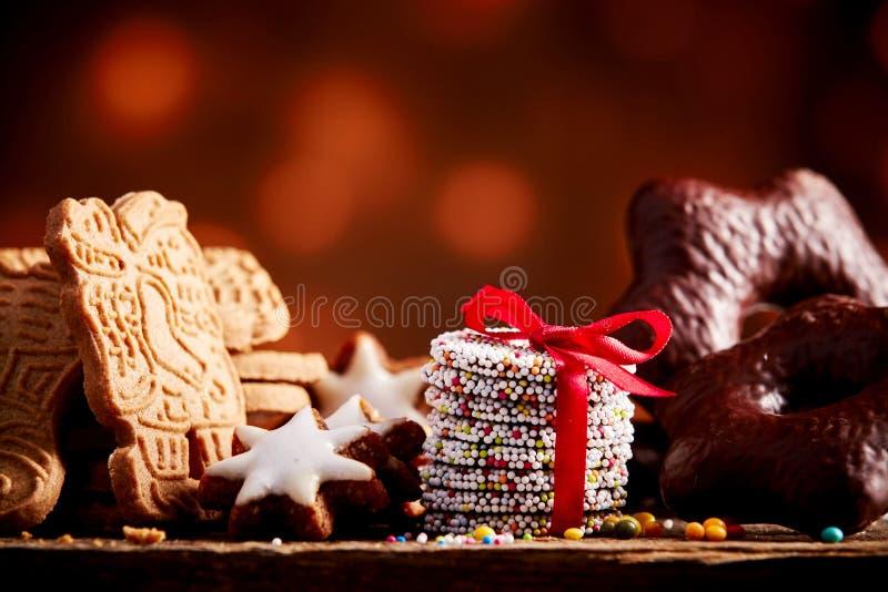 Slut upp på olika julkakor arkivbild