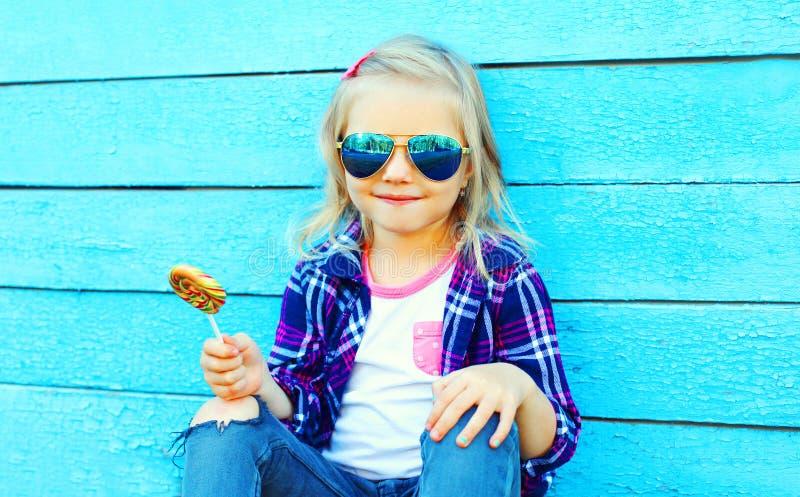 Slut upp ståenden av liten flickabarnet royaltyfri fotografi