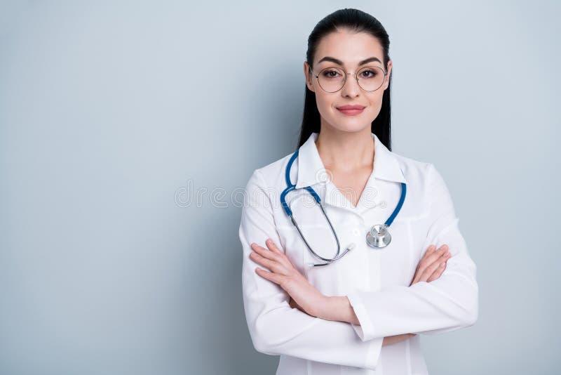 Slutet upp härligt fantastiskt för foto korsade hon hennes dam som klara arbetsdagsför den unga doktorn det första sjukhuset börj arkivfoto