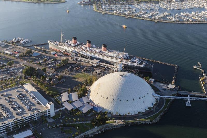 Slutlig kupol för Queen Mary och kryssningskepp i Long Beach arkivfoto