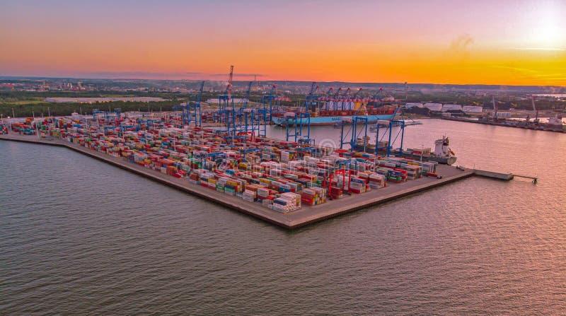 Slutlig port Gdansk för DCT på aftonen arkivbild