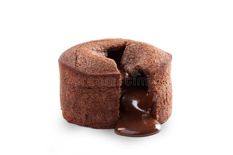Smältande chokladpudding som isoleras på vit royaltyfri bild