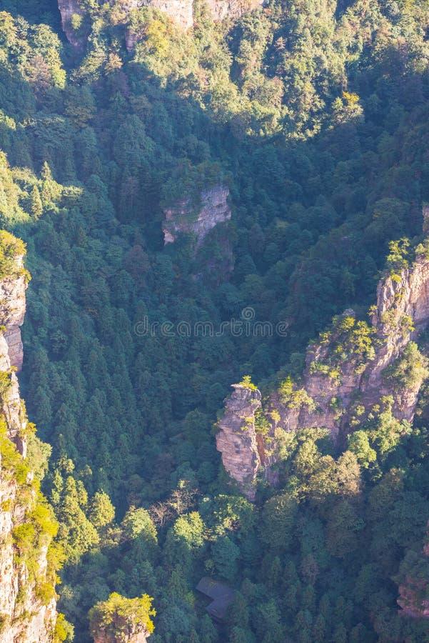 Smärre Zhangjiajie wulingyuan arkivfoton