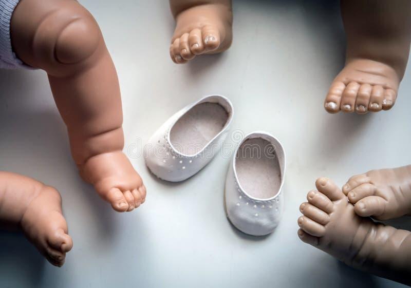 Små dockaskor arkivfoto