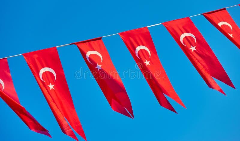 Små flaggor av Turkiet arkivbild