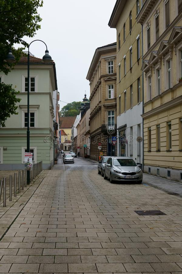 Små kullerstengator i Wien royaltyfri fotografi