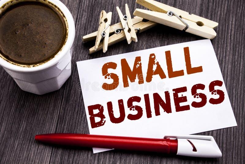 Små och medelstora företag för visning för inspiration för överskrift för handhandstiltext Affärsidé för Familj Äga Företag som ä royaltyfria foton