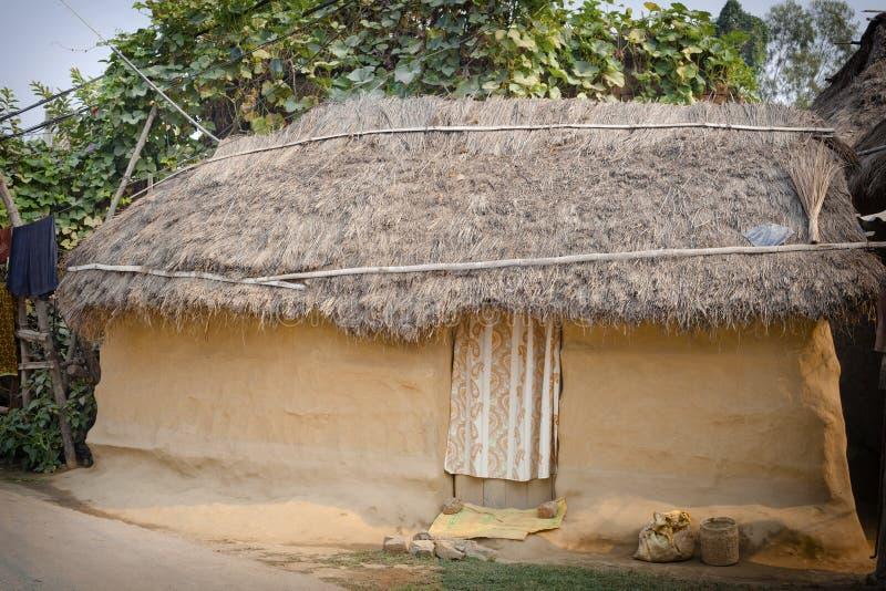 Små traditionella lerahus av Lumbini royaltyfri foto