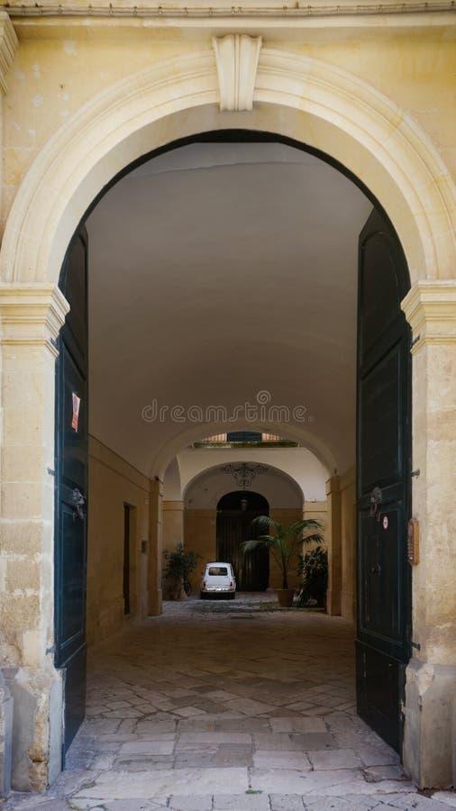Småbilsbilen i Italien royaltyfri fotografi