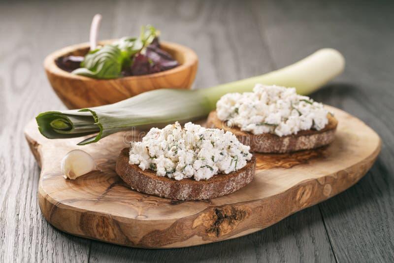 Smörgås eller bruschetta för råg två royaltyfria foton