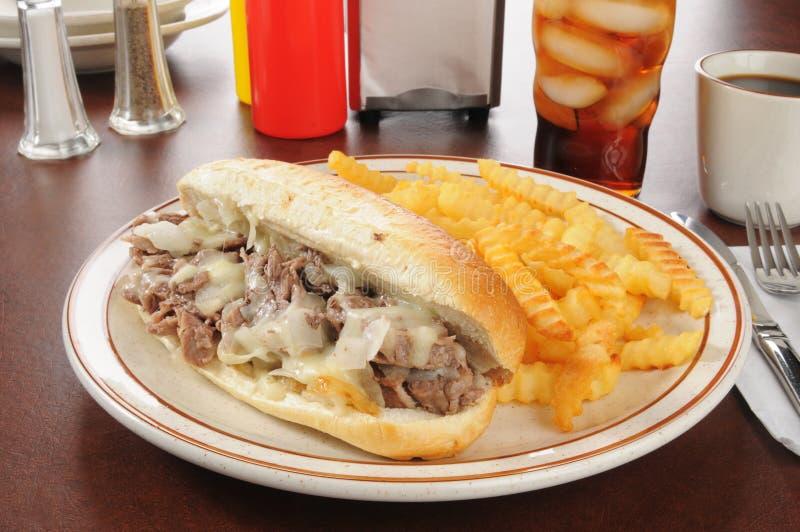 Smörgås för Philadelphia ostbiff arkivfoton