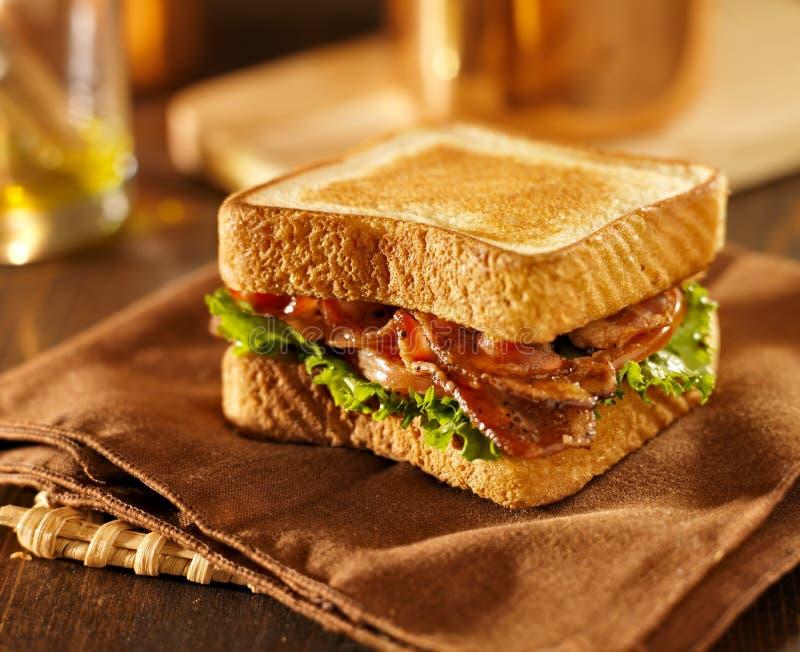Smörgås för tomat för BLT-bacongrönsallat arkivbild