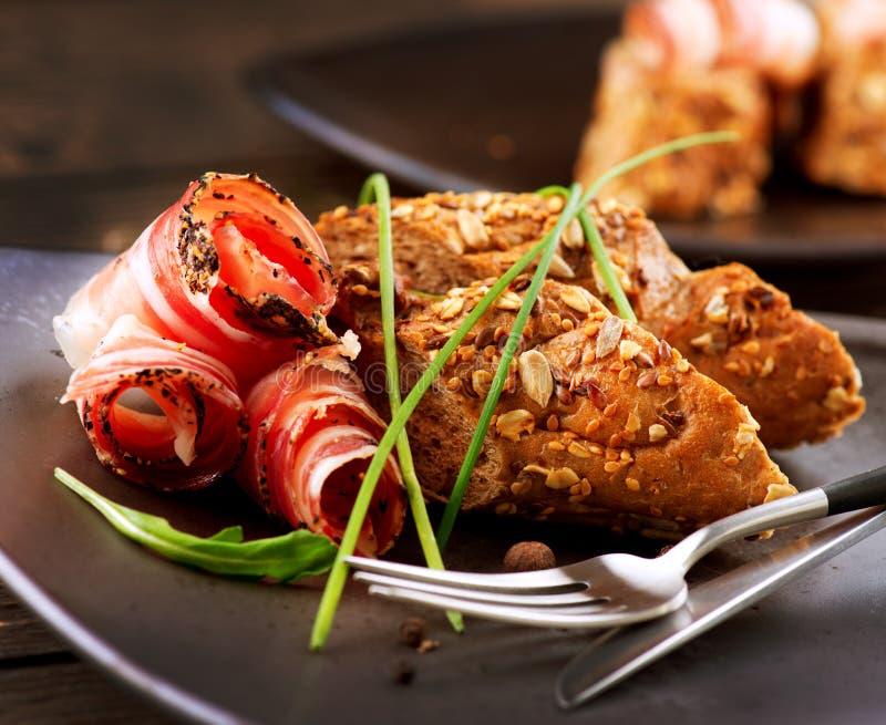 Smörgås med Salami royaltyfri bild