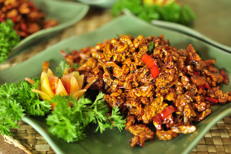 Smażący tofu Bali styl, azjatykci zdrowy wyśmienicie jedzenie obrazy stock