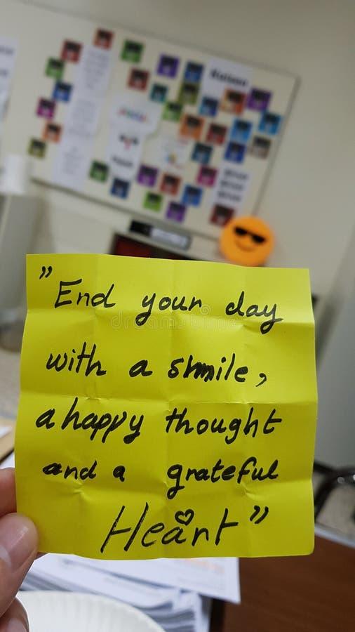 Smail podnosi dnia szczęśliwy graeful zdjęcia royalty free