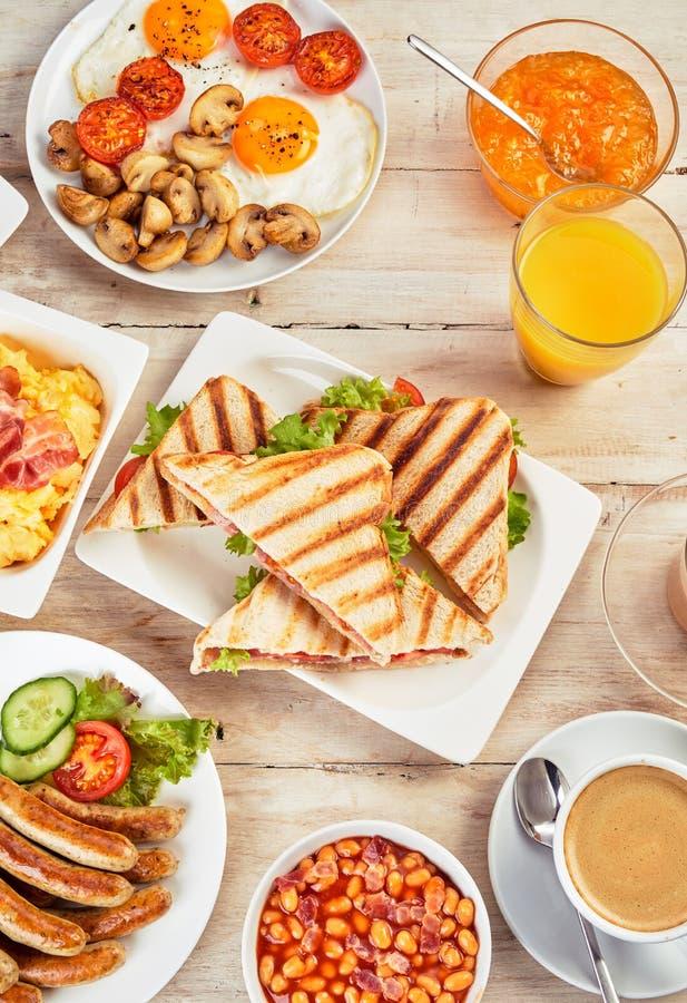 Smakelijk volledig Engels ontbijt royalty-vrije stock foto's