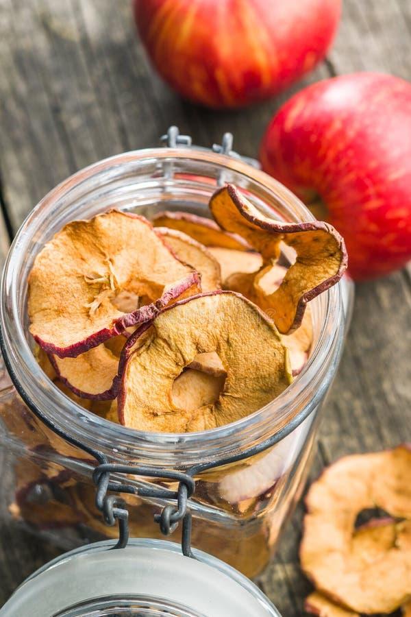 Smakelijke droge appelplakken stock afbeeldingen