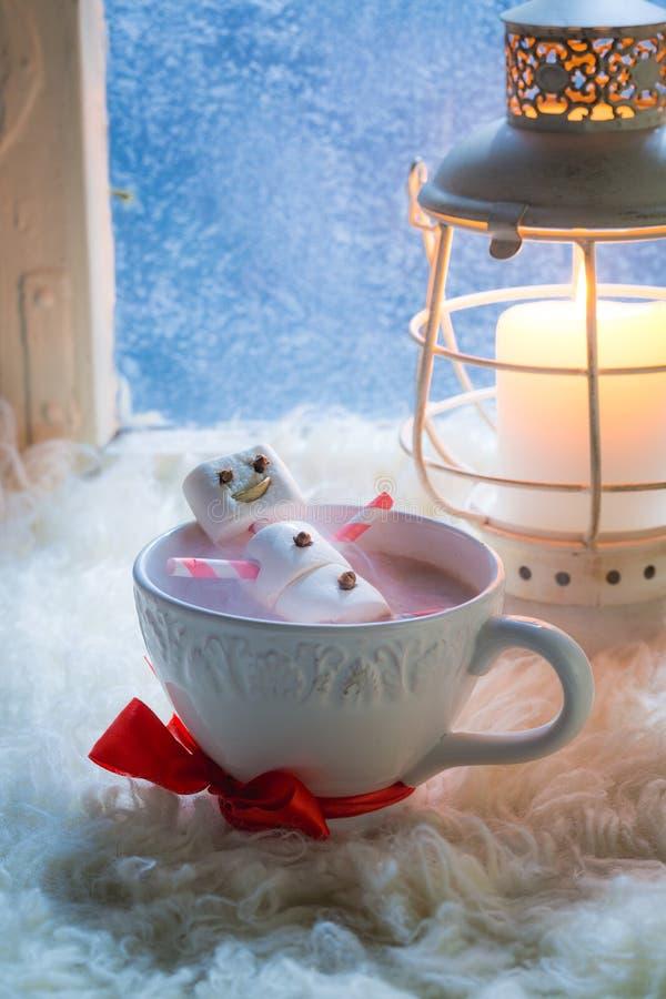 Smakelijke en zoete sneeuwman voor Kerstmis stock afbeeldingen