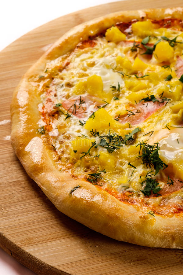Smakelijke gebakken pizza stock fotografie