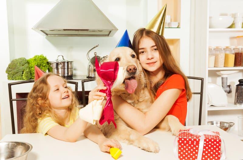 Smakelijke gift voor huisdier van het houden van van eigenaars royalty-vrije stock afbeeldingen