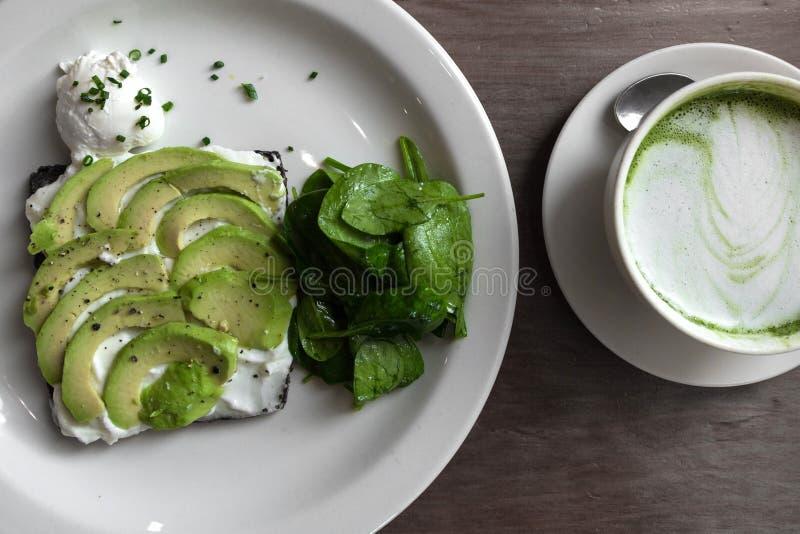Smakelijke groene vegetarische maaltijdmacha royalty-vrije stock foto