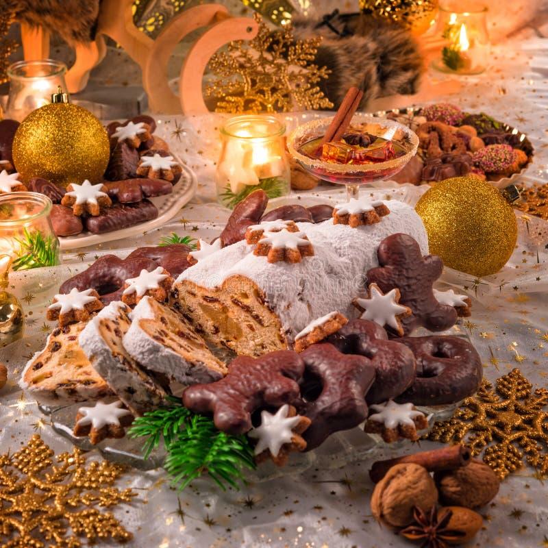 Smakelijke Kerstmis Stollen stock foto