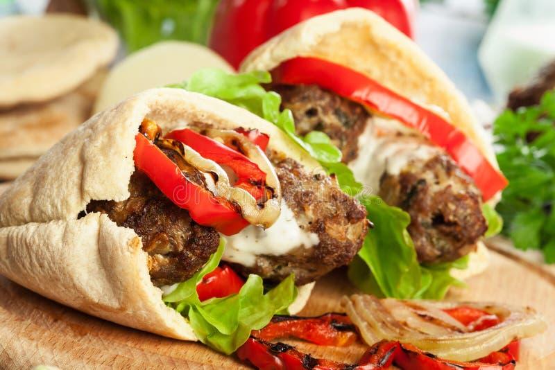Smakelijke koftakebab stock foto