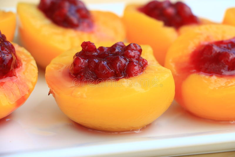 Smakelijke perzik stock afbeeldingen