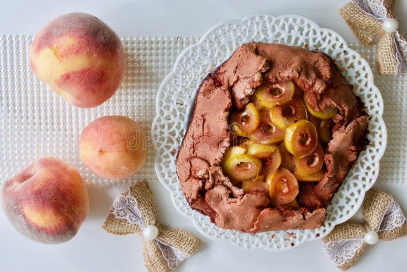 Smakelijke perzikpastei stock afbeelding