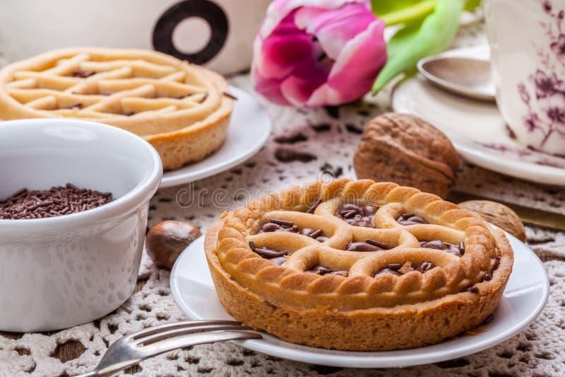 Smakelijke scherpe chocoladeokkernoot stock foto's