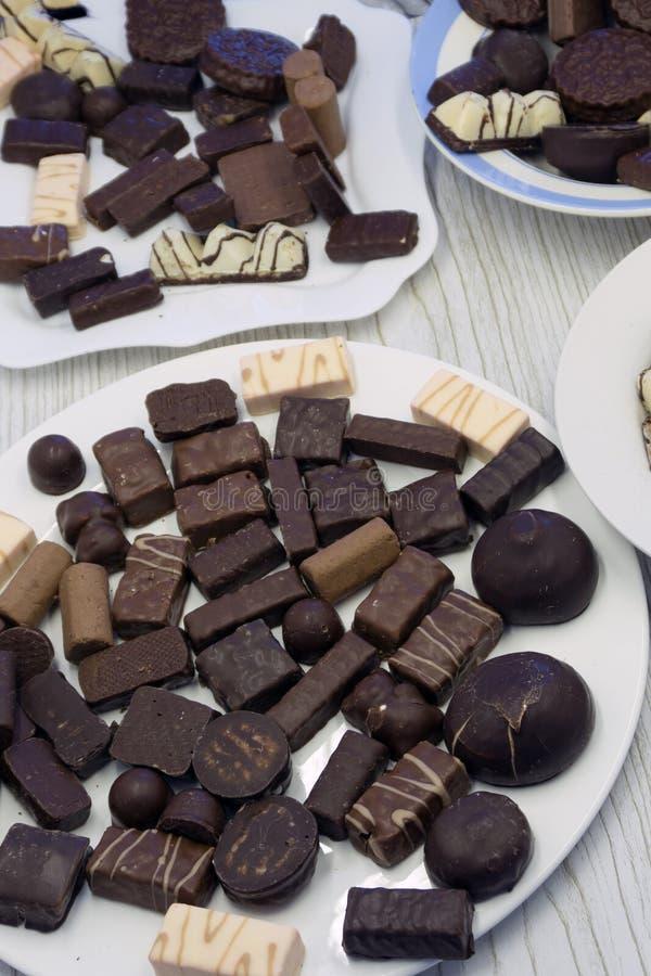 Smaklig kakao för sortimentet för bränd mandelchokladtryffeln äter mellanmålet, royaltyfria bilder