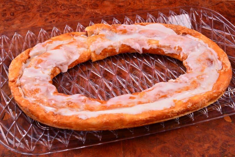 Smaklig Kringle bakelse i oval form royaltyfria foton
