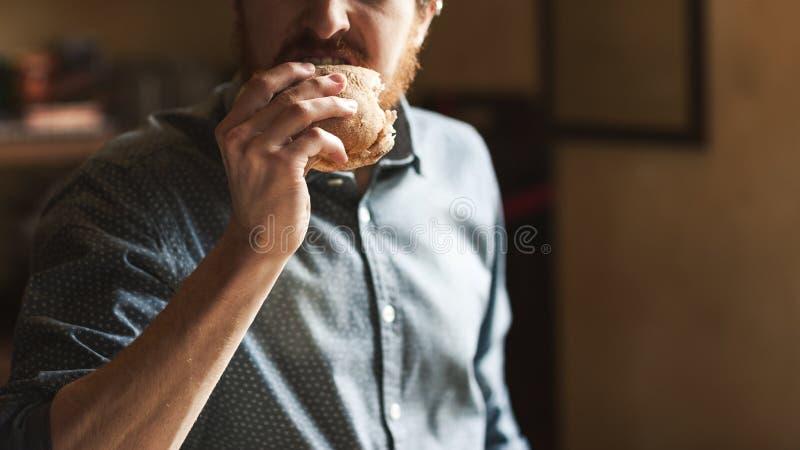 Smaklig smörgås för lunch fotografering för bildbyråer