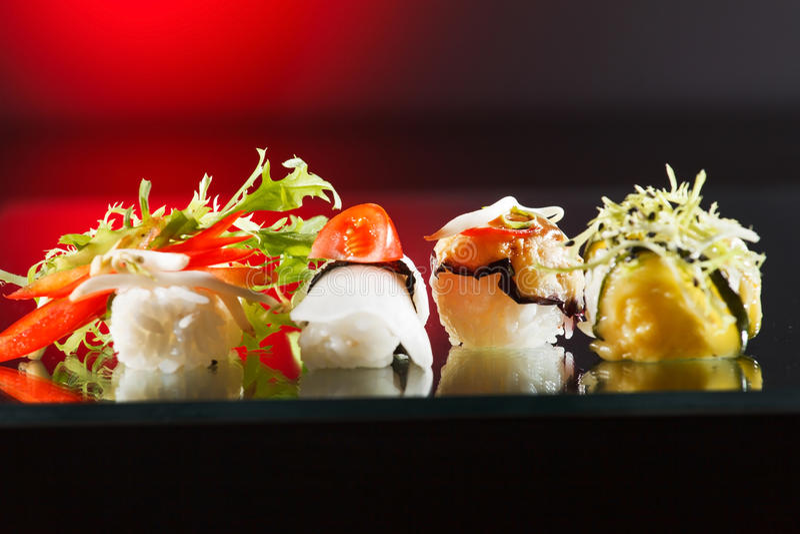 Smakliga sushi royaltyfri bild