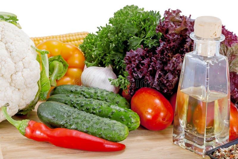 Smakowici świezi warzywa dla sałatki fotografia royalty free