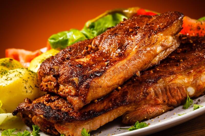 Smakowici piec na grillu ziobro zdjęcie stock