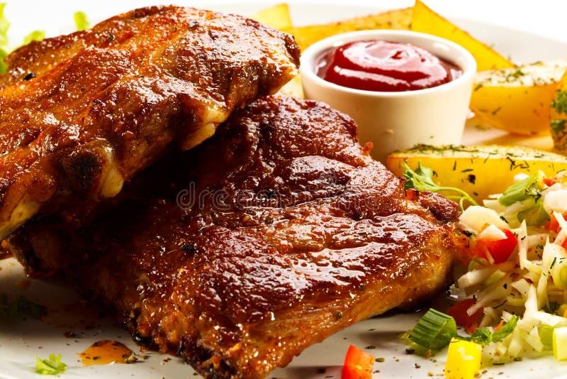Smakowici piec na grillu ziobro obraz royalty free