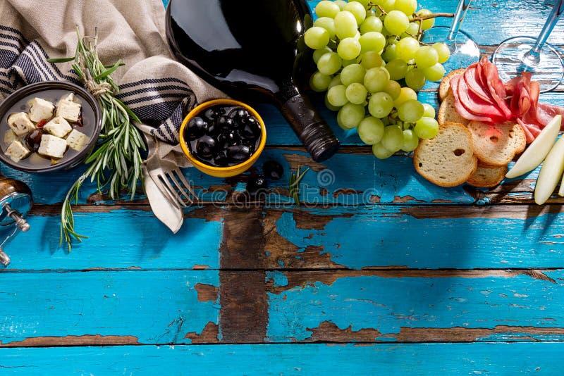 Smakowity apetyczny włoski Śródziemnomorski Karmowych składników mieszkanie Lay obraz stock