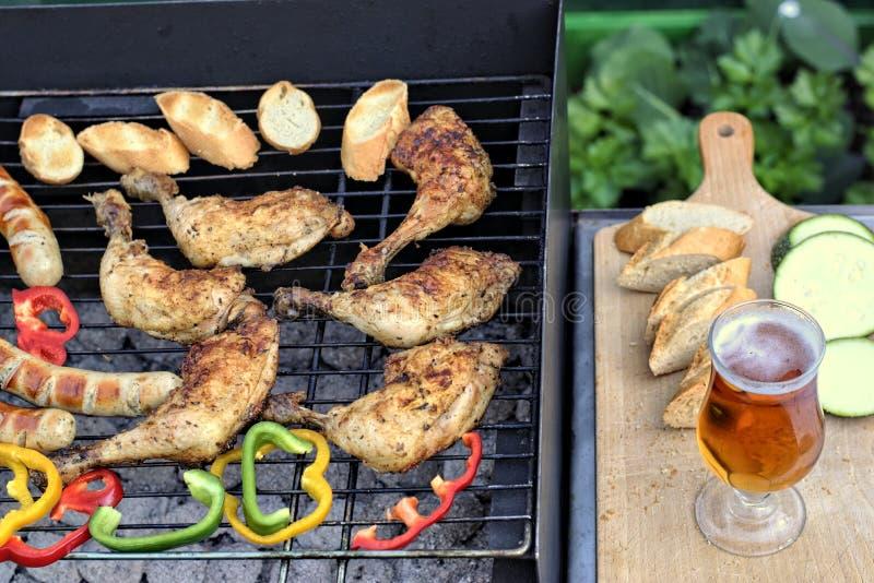 Smakowity jedzenia, odżywiania, kulinarnego i grilla pojęcie, obraz stock