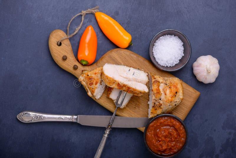 Smakowity zdrowy obiadowy kurczak i słodki pieprz obraz royalty free