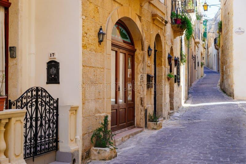 Smal gata av den forntida staden Rabat, Gozo arkivfoto